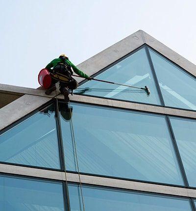 servicios de limpieza de ventanas, persianas y toldos en boadilla del monte